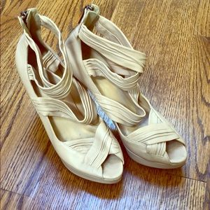 J Crew Leather Platform Pump Nude Size 7.5
